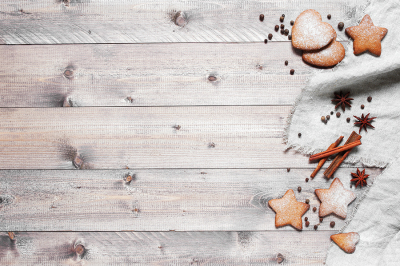 Wooden background with gingerbread