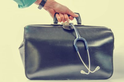 Carrying medical bag