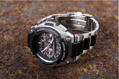 Sports metal waterproof watch