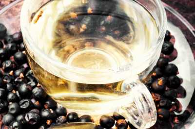 Tea with juniper