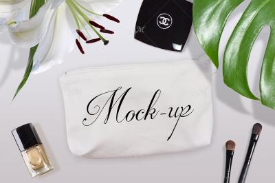 Cosmetic Bag Mock-up. PSD+JPG