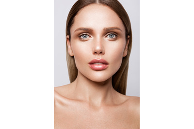 Pack 5 beauty portraits of model with natural make-up