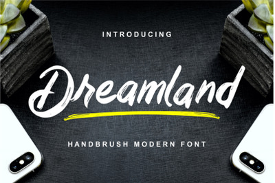 Dreamland - Handbrush Modern Font