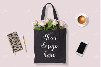Black Tote Bag w Roses. PSD Mock up