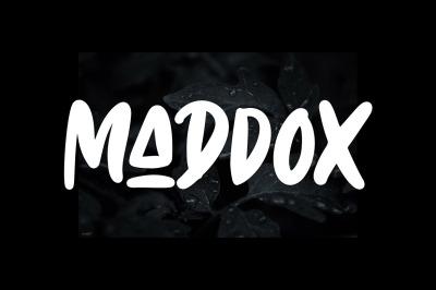 Maddox - Caps Font