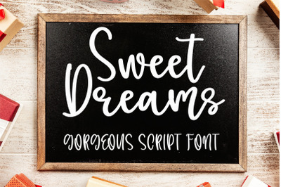 Sweet Dreams - A gorgeous handwritten scipt font