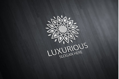 Luxurious Royal Logo 28