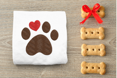 Dog Paw with Heart Toe   Embroidery