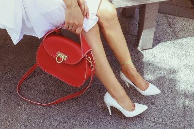 Fashionista with red handbag