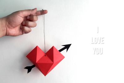 DIY Paper Heart dangler - 3d papercrafts