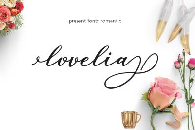 Lovelia Script & Comic