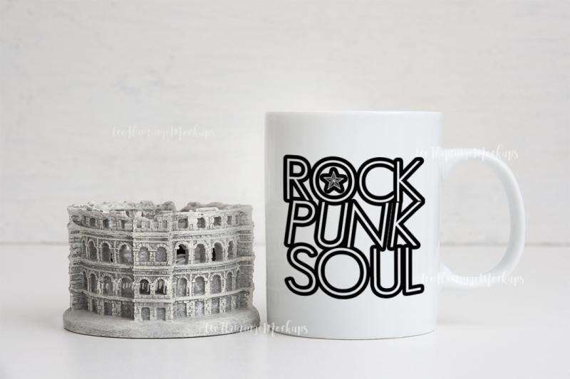 Free Coffee mug mockup travel stock photo (PSD Mockups)