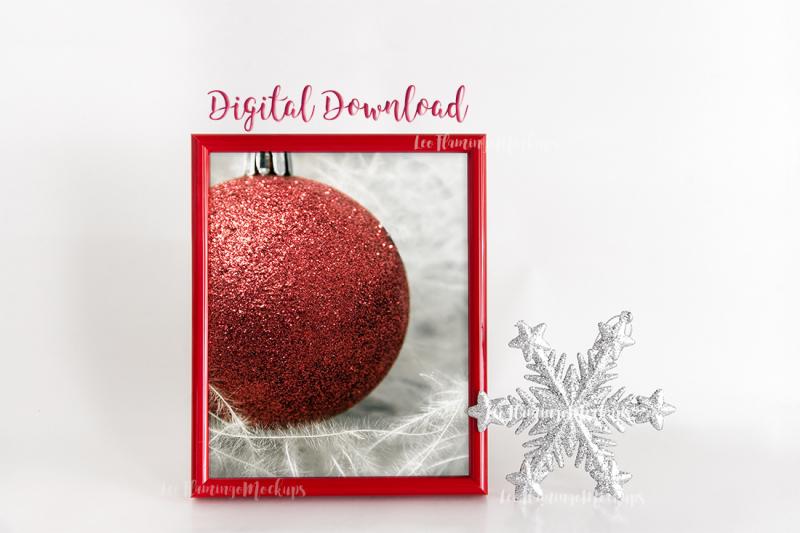 red-frame-mockup-8x10-xmas-holiday
