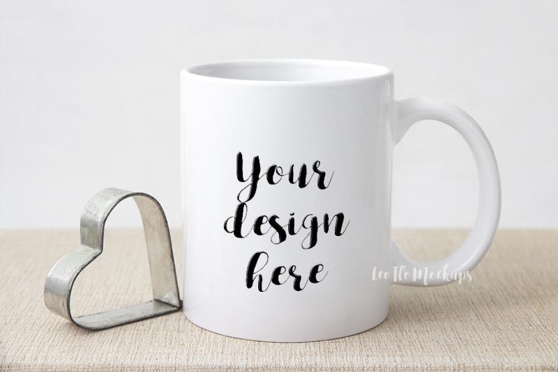 Free White coffee mug mock up, rustic valentine's day mock ups PSD smart, cup mug mockup (PSD Mockups)