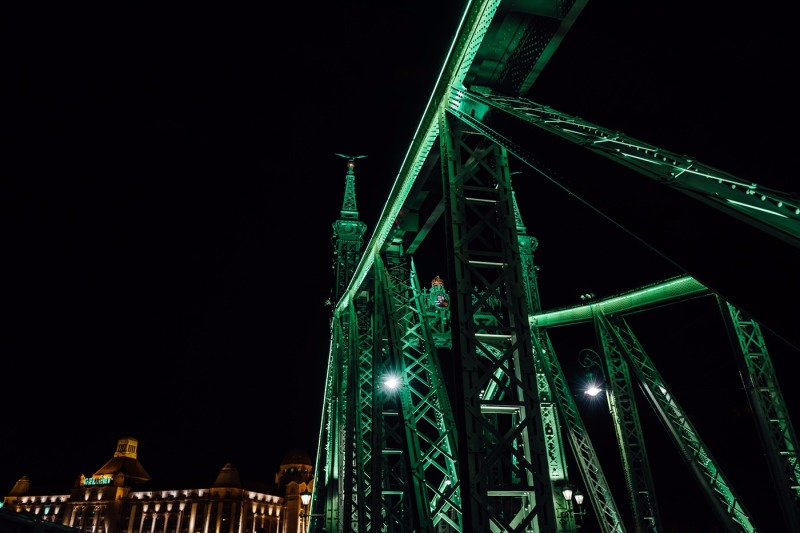 photo-set-from-13-photos-old-iron-bridge-across-the-danube-river-in-budapest