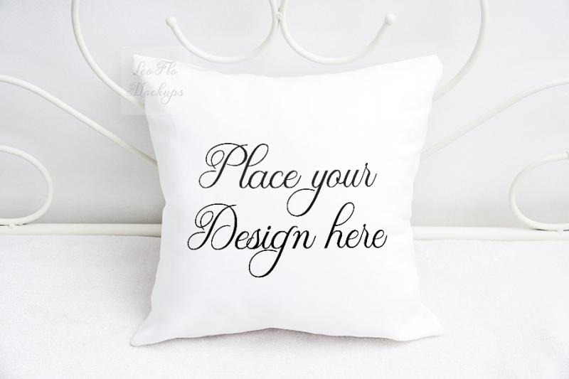 Free Pillow mockup square sublimation feminine psd white pillows mock up (PSD Mockups)