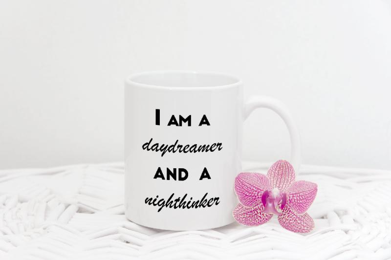 Free Coffee mug mock up template, valentines mockup PSD smart mock ups (PSD Mockups)