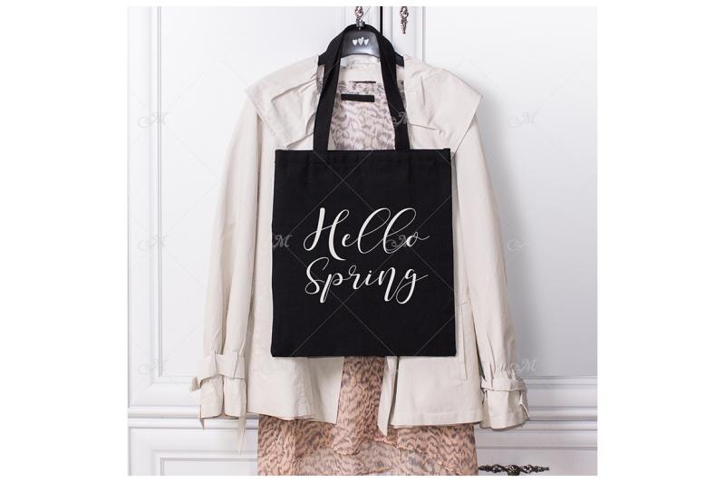 Free Spring Look Black Tote Bag. JPEG (PSD Mockups)