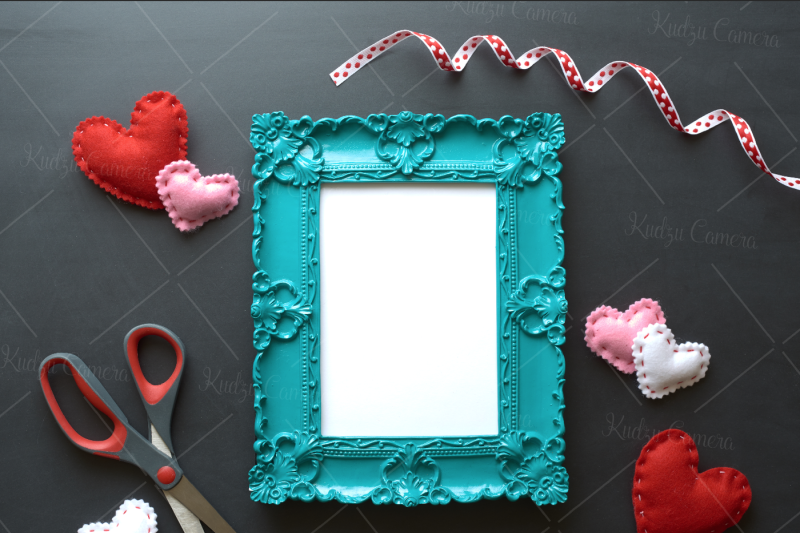 valentines-day-picture-frame-mockup-photoset