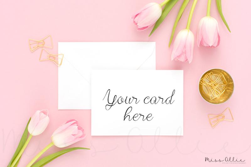 Free Card mockup styled stock (PSD Mockups)