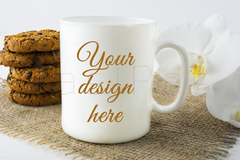 Free Coffee mug mockup with cookies (PSD Mockups)