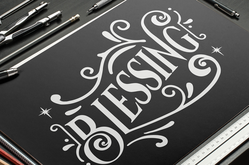 vondey-holiday-font-and-ornaments