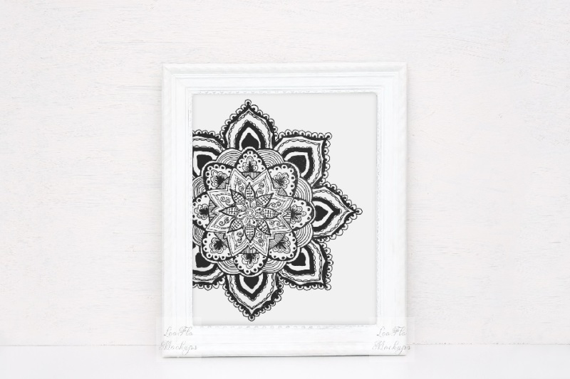 white-rustic-picture-frame-mockup-vintage-old-antique-template