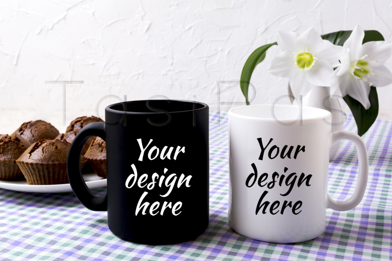 Free White and black mug mockup with chocolate muffins (PSD Mockups)