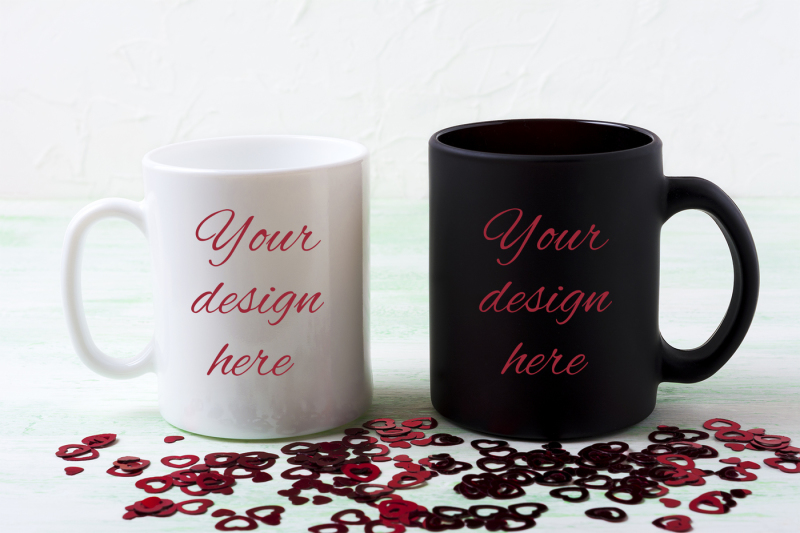 Free White and black mug mockup with red glitter hearts (PSD Mockups)