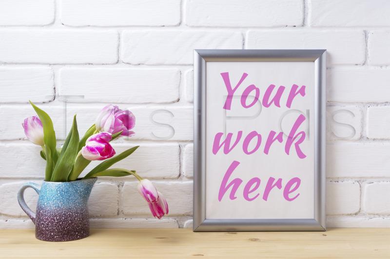 Free Silver frame mockup with pink tulip in purple blue vase (PSD Mockups)