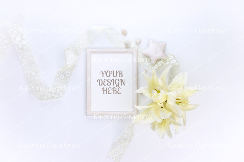 Free Vertical frame mockup with yellow flowers, smart object (PSD Mockups)