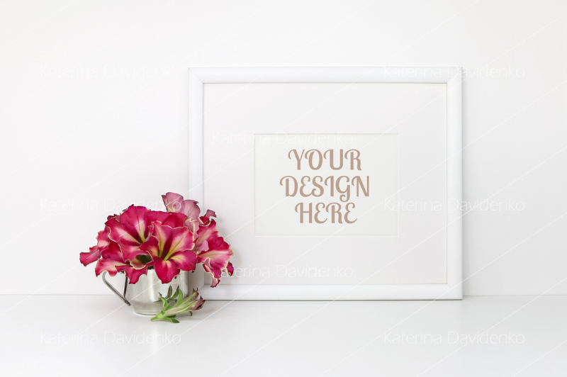 Free Horizontal frame mockup, red flowers, white background (PSD Mockups)