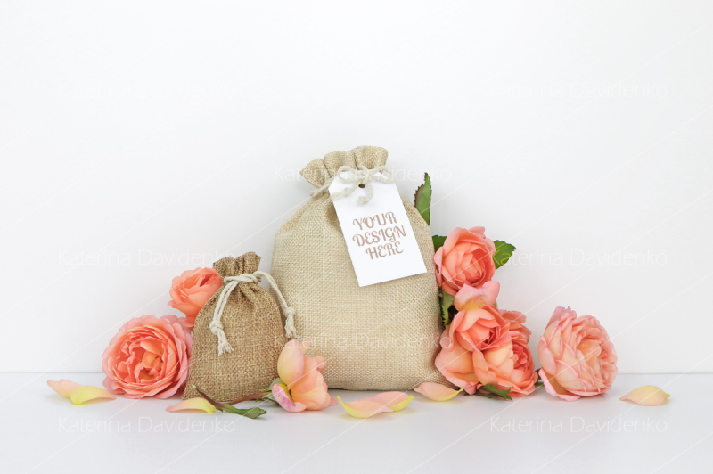 Free Bags with a tag mockup, orange roses (PSD Mockups)