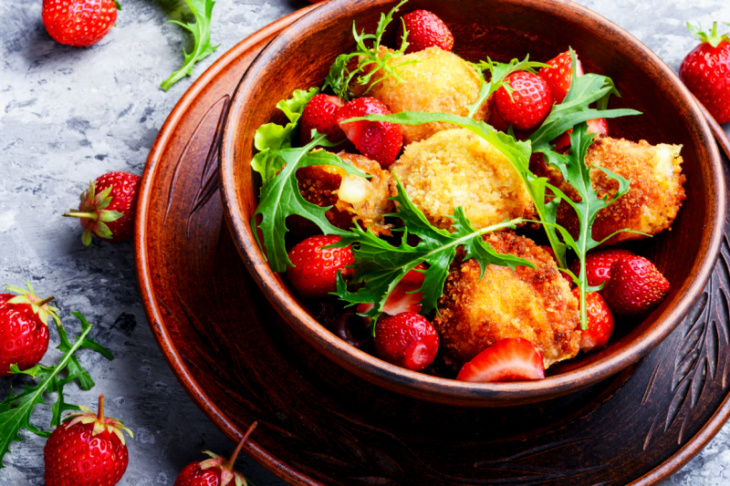 salad-with-strawberry-and-fried-cheese