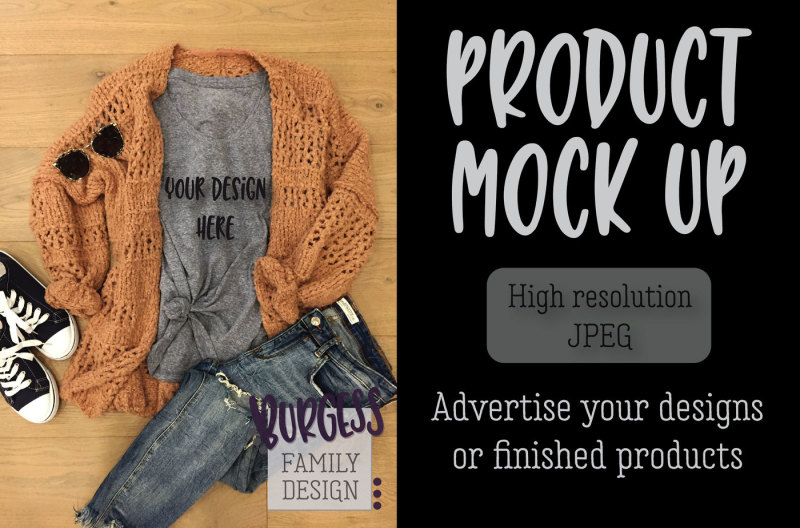 Free MOCK UP | Cozy sweater & jeans (PSD Mockups)