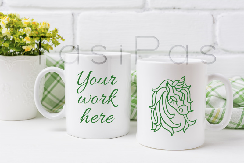 Free Two coffee mug mockup with yellow and green flowers (PSD Mockups)