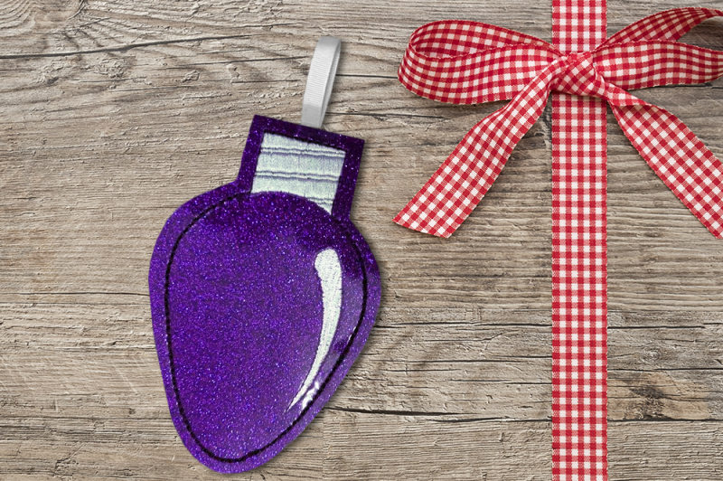 christmas-light-ith-feltie-applique-embroidery