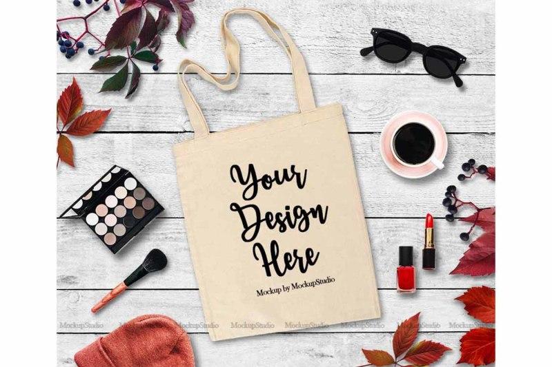 Free Fall Tote Bag Mockup, Feminine White Canvas (PSD Mockups)