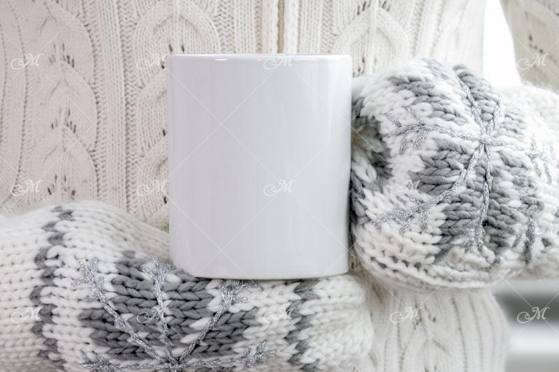 mug-and-mittens-mockup-psd-smart