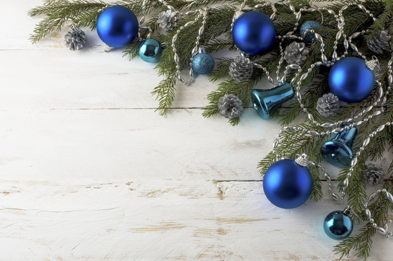 christmas-blue-balls-decoration