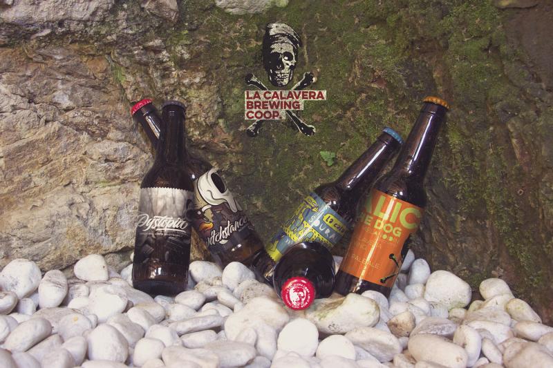 Free Beer Cap | Logo Mockup (PSD Mockups)