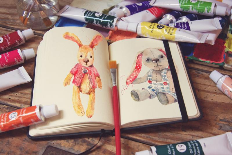 Free Pocket Notebook & Brush (PSD Mockups)