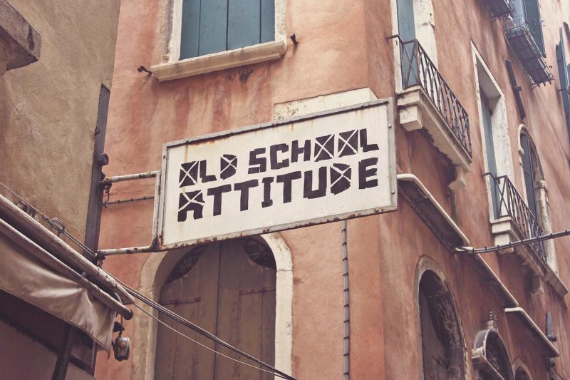 Free Venetian Old Signboard (PSD Mockups)