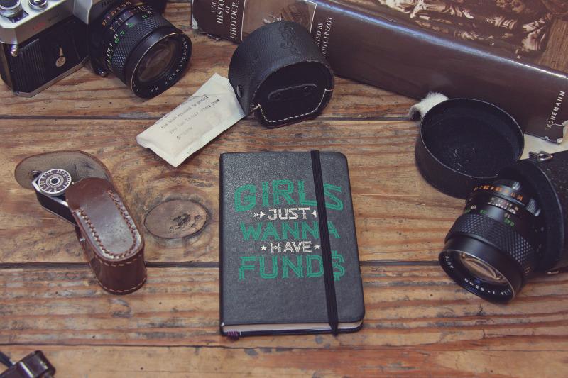 Free Pocket Notebook Black Mockup (PSD Mockups)