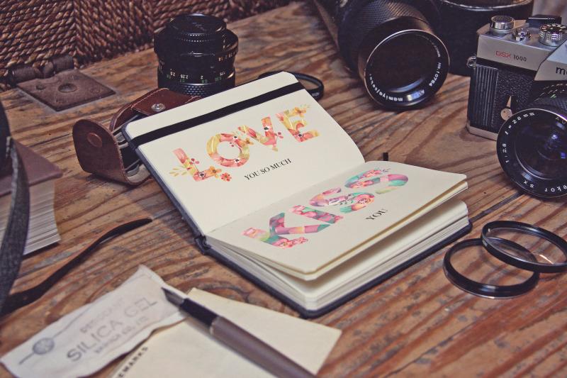 Free Pocket Notebook Studio (PSD Mockups)
