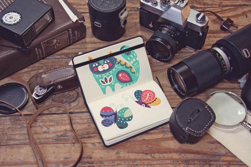 Free Pocket Notebook Mockup (PSD Mockups)
