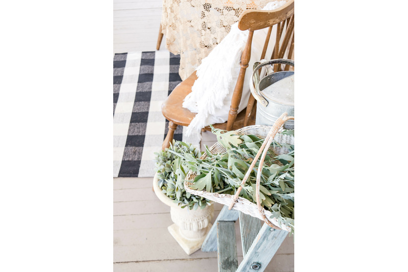 farmhouse-front-porch-stock-photos