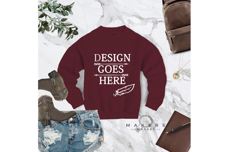 crew-neck-mock-up-sweatshirt-download-gildan-18000-blanks-gildan-mo