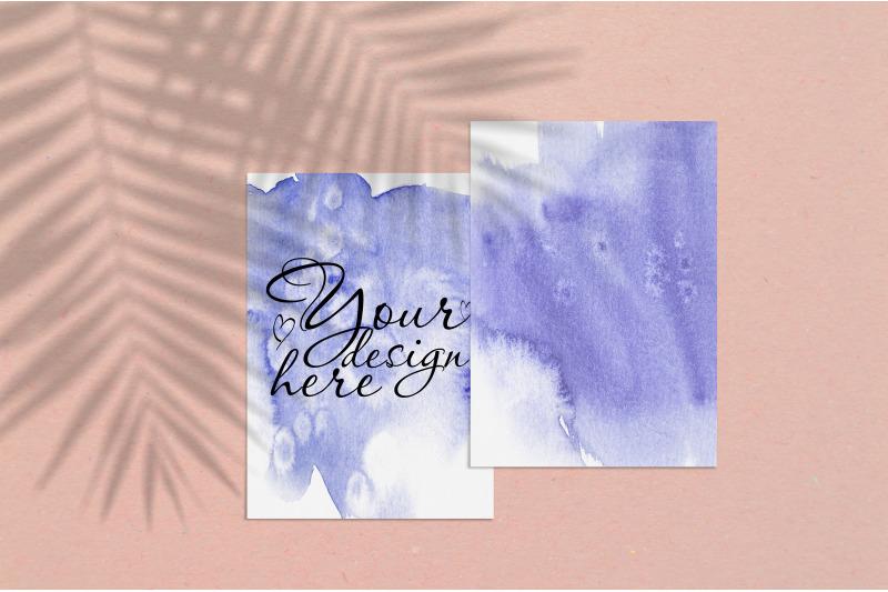 Free Card mockup 5x7 with palm shadow overlay (PSD Mockups)