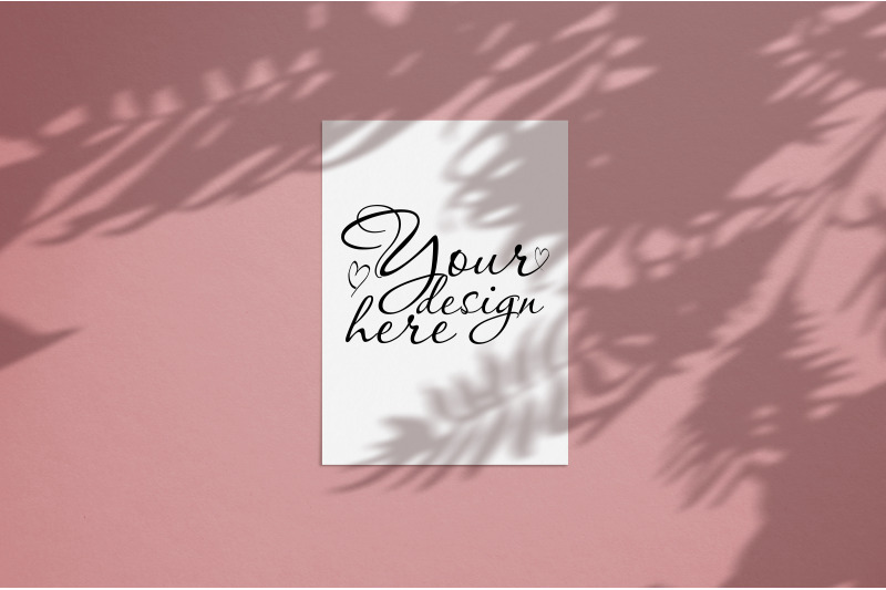 Free Blank mockup 5x7 with tropic palm shadow overlay coral background (PSD Mockups)